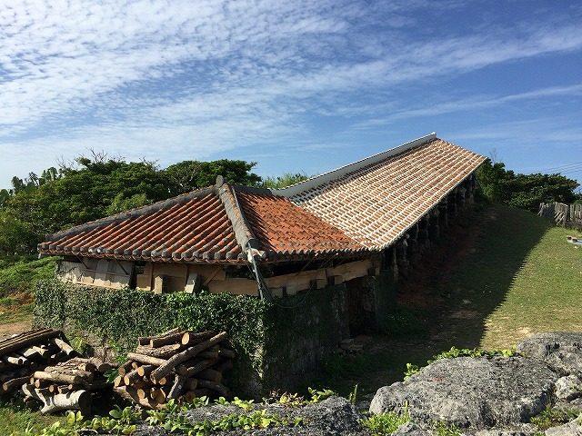 沖縄の食器 壺屋焼きと琉球ガラス