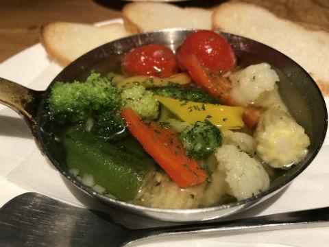 鉄燻CHOI URASAN 季節の野菜アヒージョ